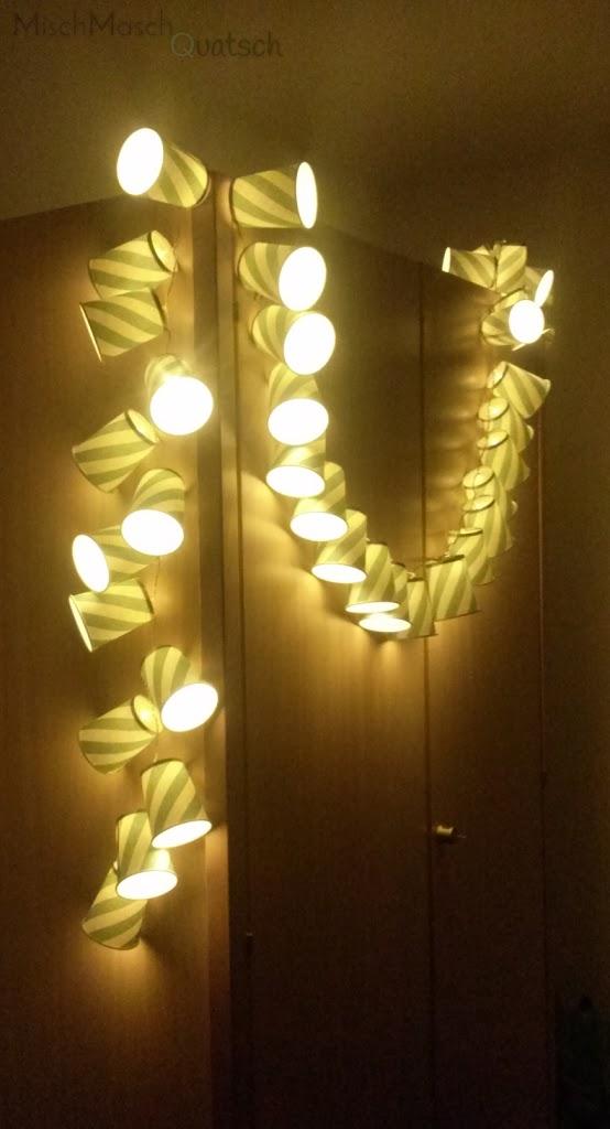 DIY: Lichterkette aus Pappbechern