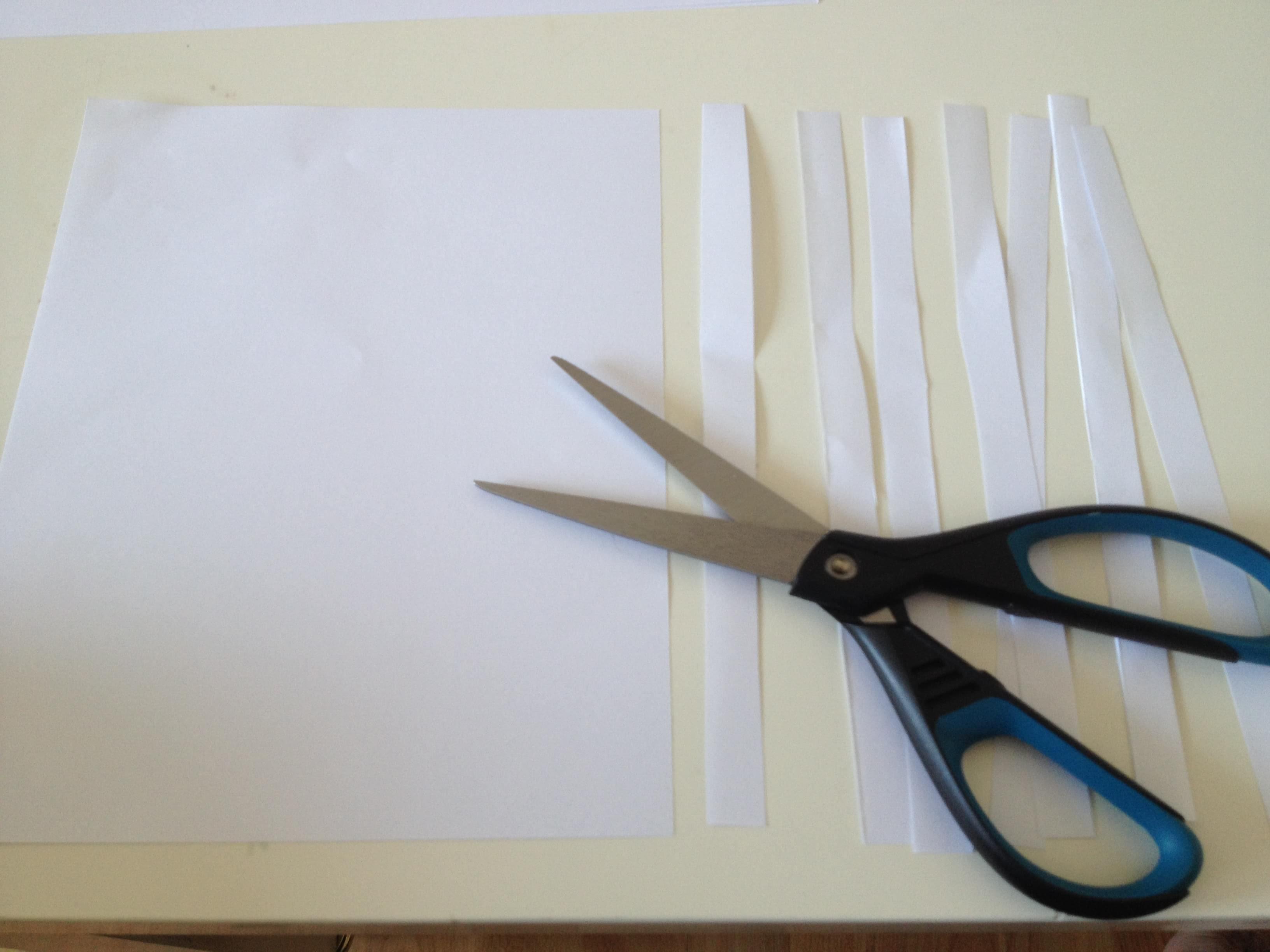 DIY: Ostereier aus Pappmaché