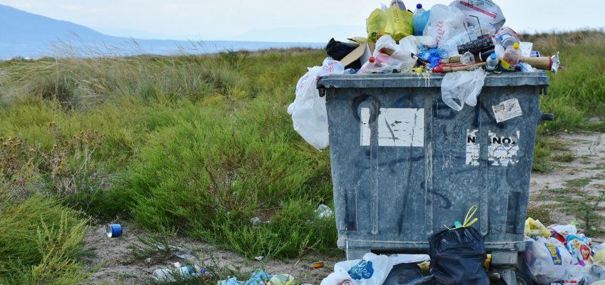 Bild von einem vollen Müllcontainer